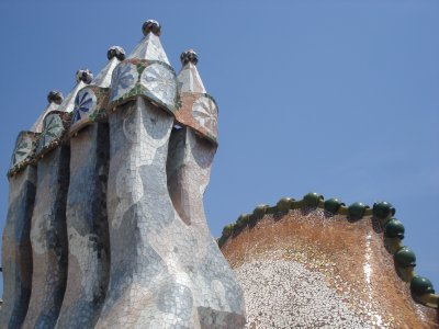 The chimeys covered in glass tiles on the roof of the Casa Batlló. Gaudí turned something as plain (and ugly) as a chimey into a work of art.
