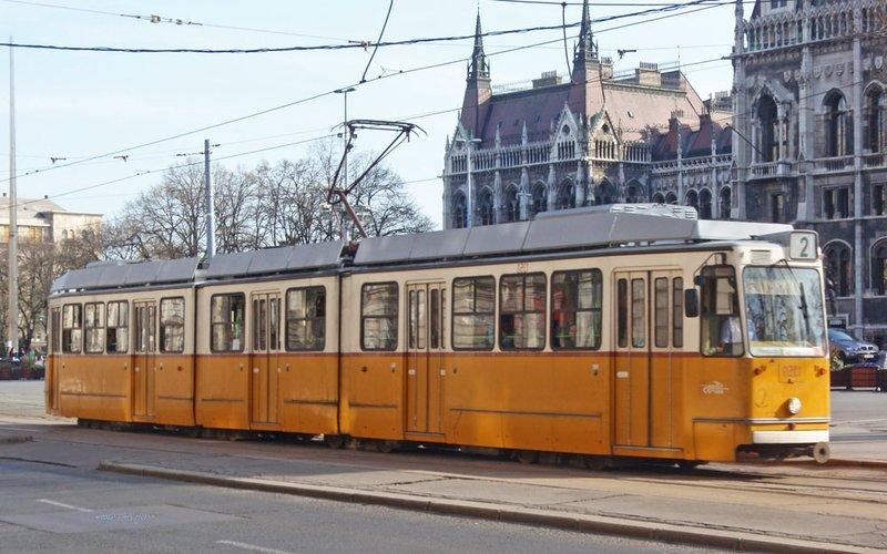 large_tram8.jpg
