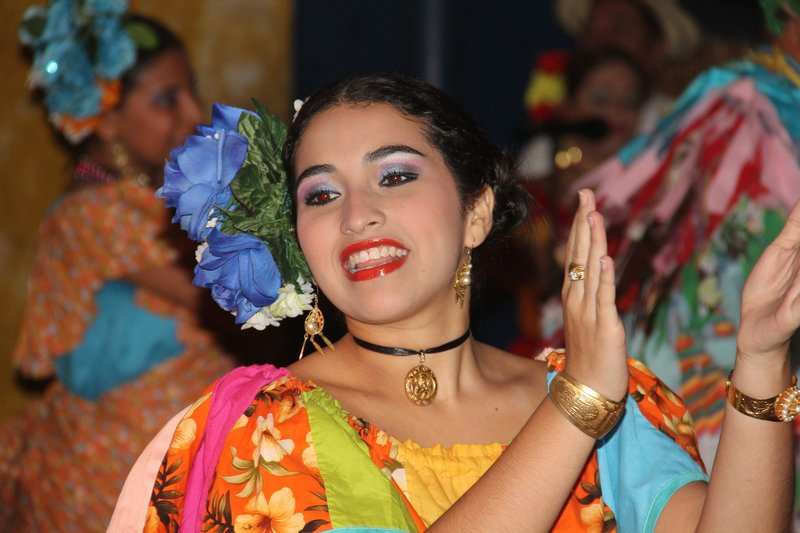 Traditional Panamanian Dancers