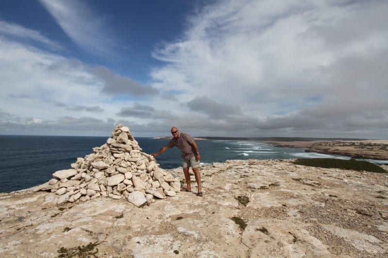Building a cairn