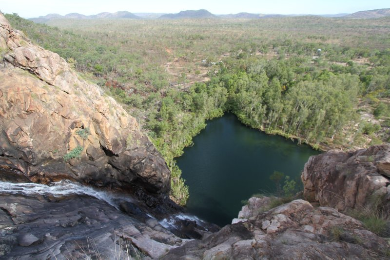 Gunlom Falls and plunge pool from the top