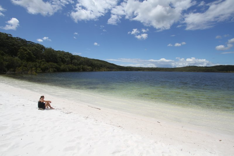 Lake McKenzie beach