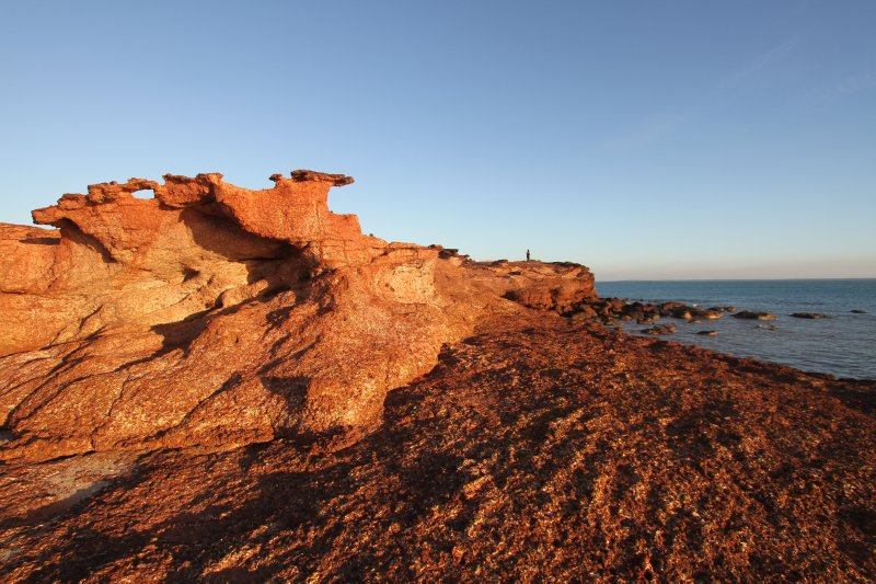 large_Red_cliffs..h_Point.jpg