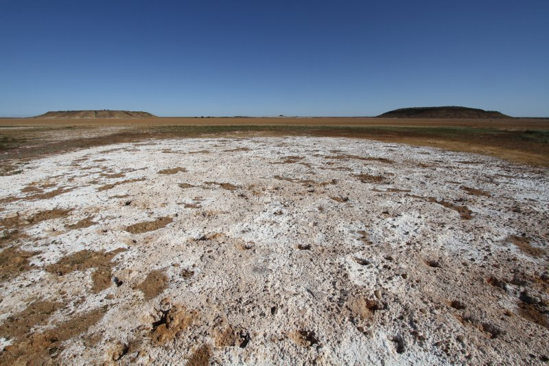 Saltpan next to the Oodnadatta Track
