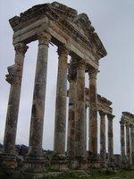 Apamea__Syria_006.jpg