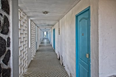 Al Amal Hotel - the corridor to the room