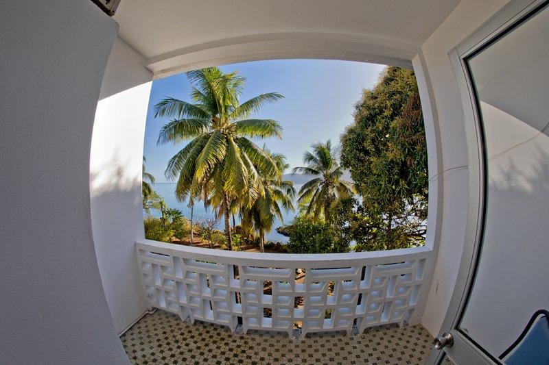 large_Al_Amal_Hotel_-_Balcony_1.jpg