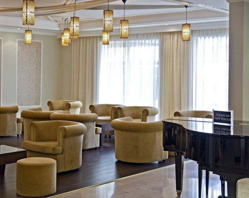 large_Al_Falaj_Hotel__Lobby_2.jpg