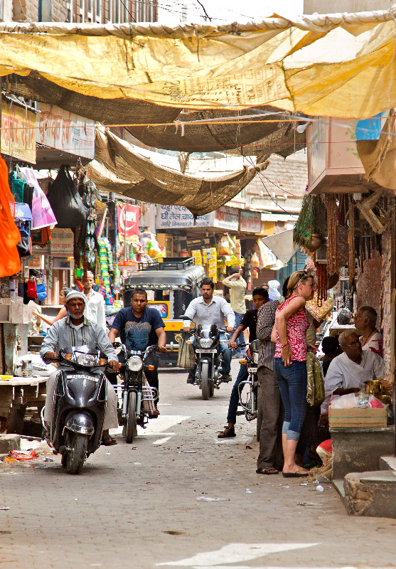 large_Bazaar_39.jpg