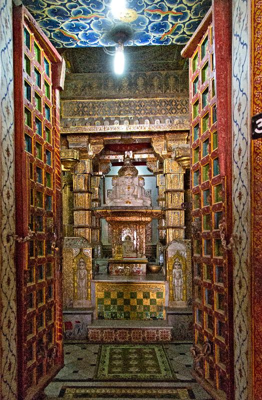 large_Bhandasar_Jain_Temple_11.jpg