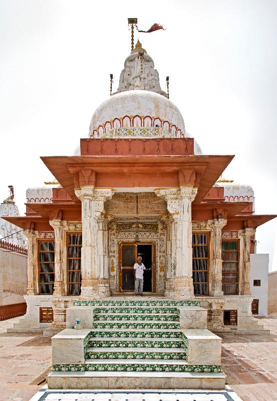 large_Bhandasar_Jain_Temple_3.jpg