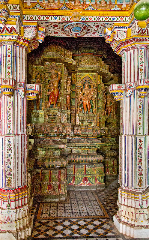 large_Bhandasar_Jain_Temple_8.jpg