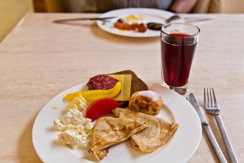large_Breakfast_..ple_Strudel.jpg