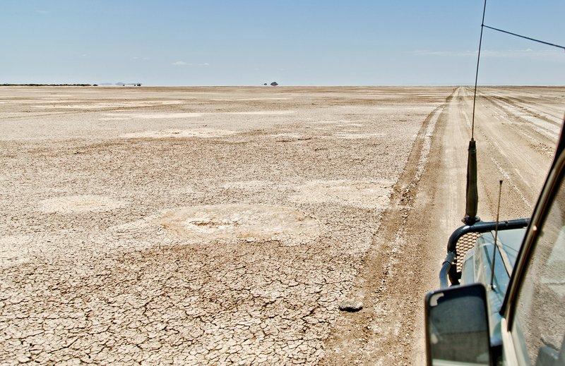 large_Chalbi_Desert_129.jpg