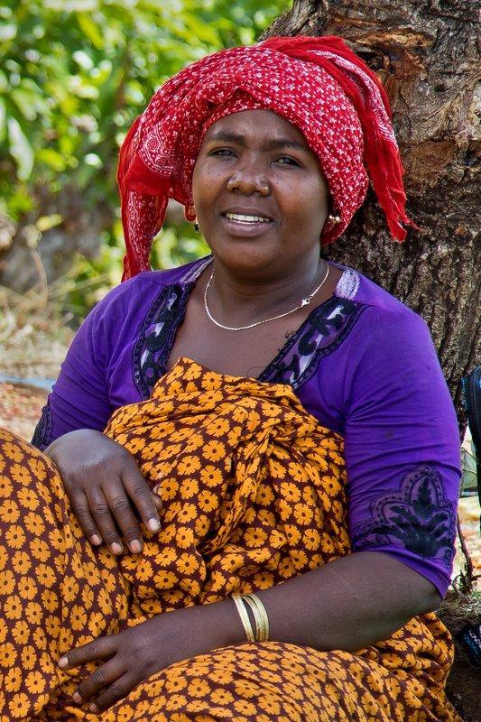 large_Comorian_Woman_2.jpg