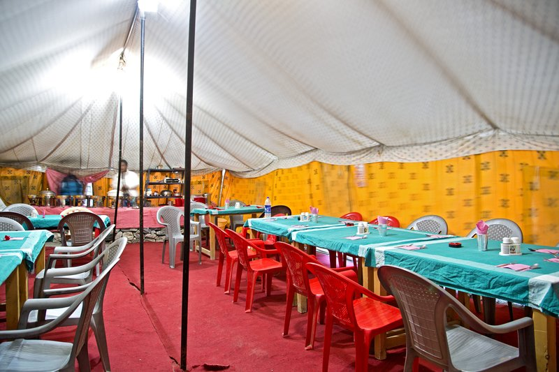 large_Dinner_Tent.jpg
