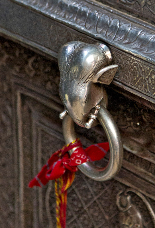 large_Elephant_Door_Knocker.jpg