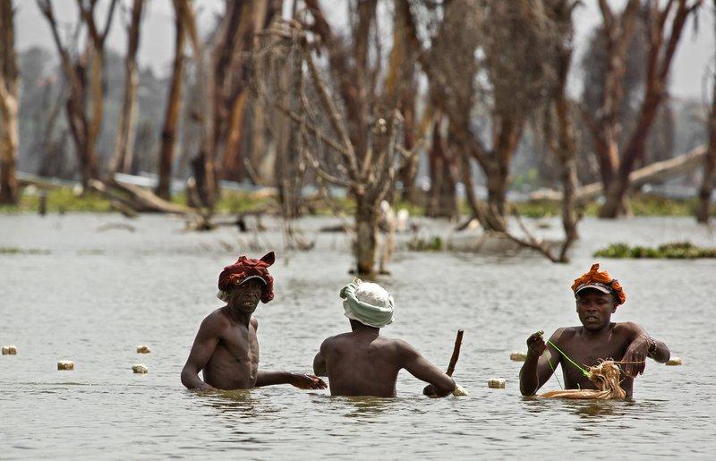 large_Fishermen_.._Naivasha_4.jpg