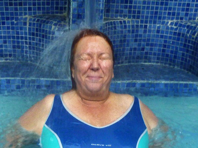 large_Grete_in_the_Pool_3.jpg