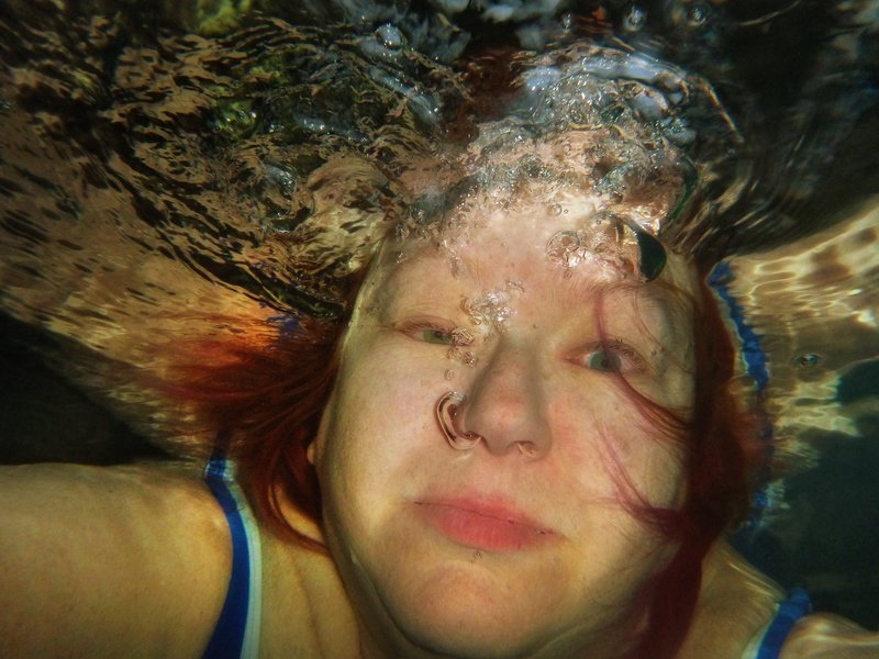 large_Grete_under_Water_1N.jpg