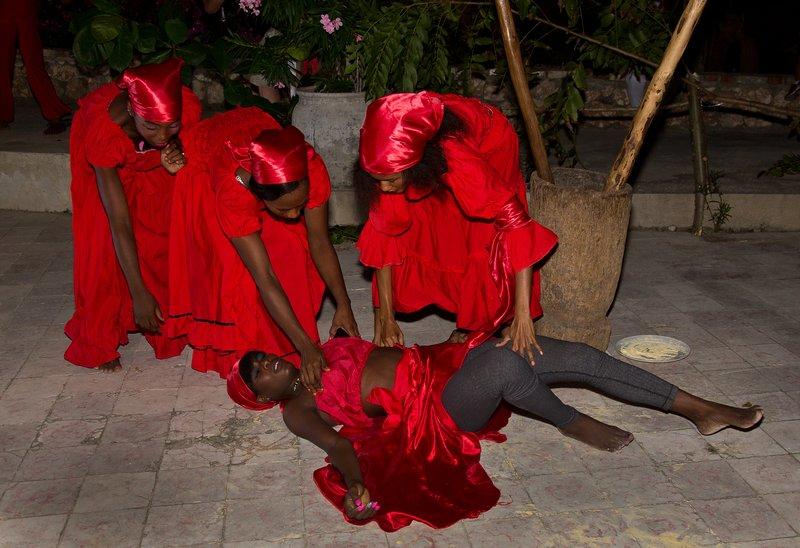 large_Haitian_Fo.._Dancing_36.jpg