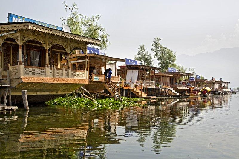 large_Houseboats_10.jpg