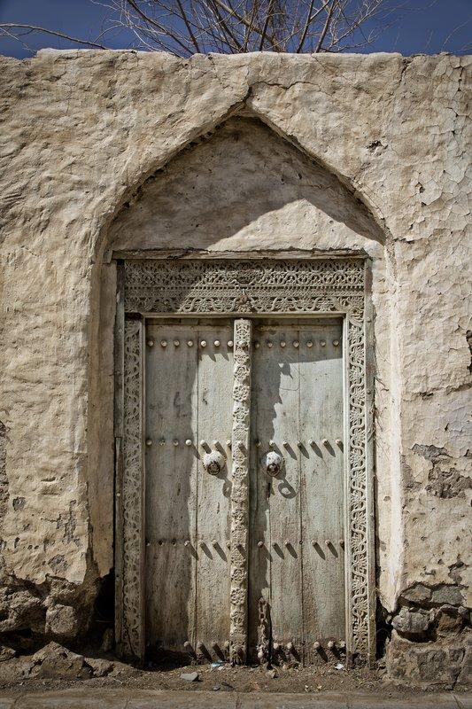large_Ibra_Door_1.jpg