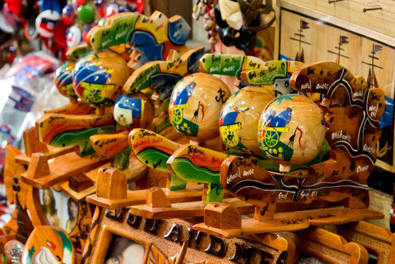 large_Iron_Market_-_Souvenirs_4.jpg