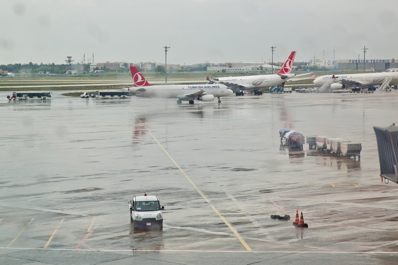large_Istanbul_Airport_3.jpg