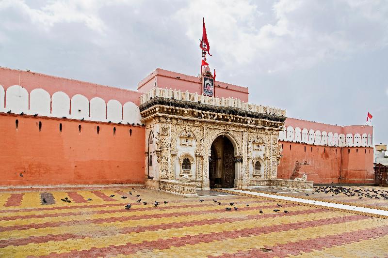 large_Karni_Mata_Temple_1.jpg