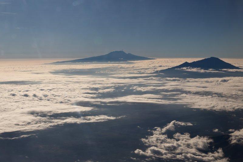 large_Kenya_Airw..ount_Meru_1.jpg