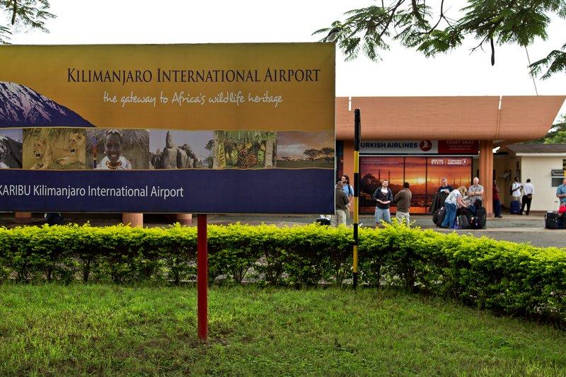 large_Kilimanjar..l_Airport_5.jpg