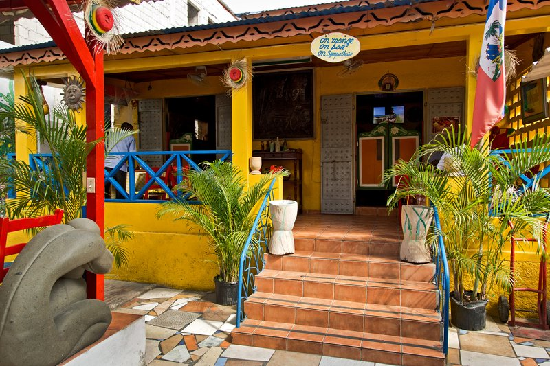 large_La_Coquille_Restaurant_5.jpg