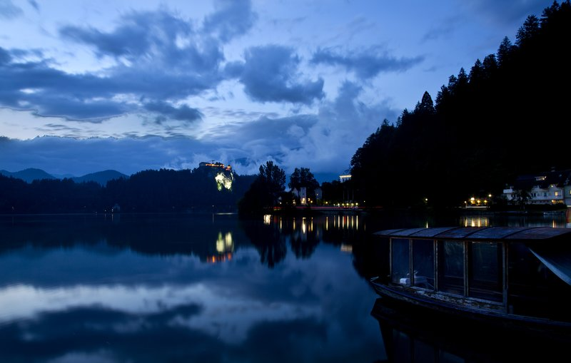 large_Lake_Bled_after_Dark_7.jpg