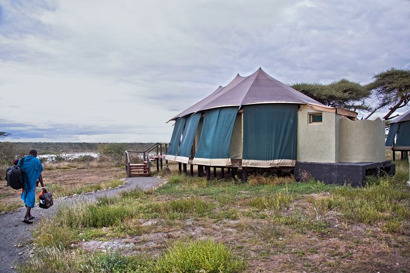 large_Lake_Masek_Tented_Camp_10.jpg