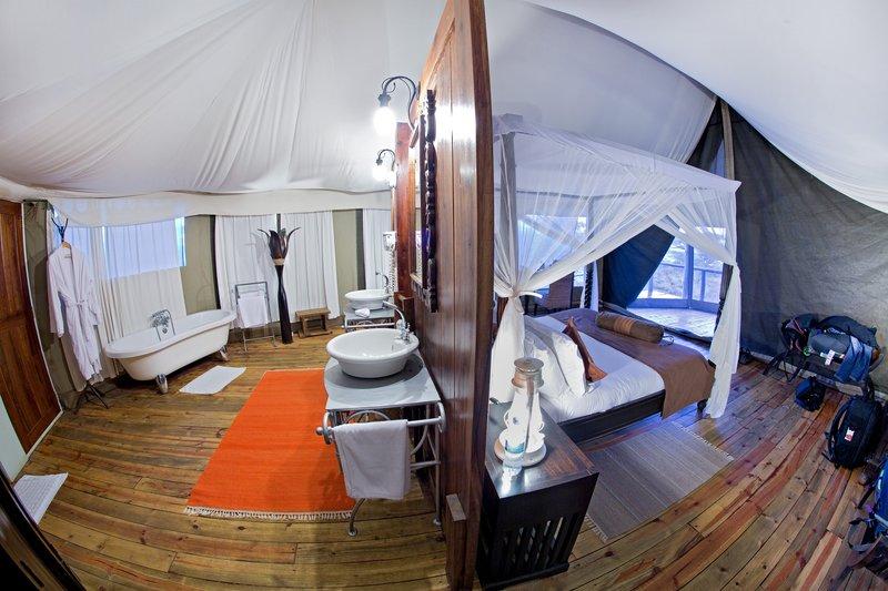 large_Lake_Masek_Tented_Camp_6.jpg