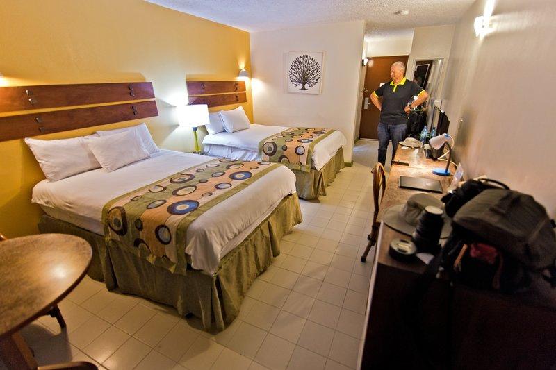 large_Le_Plaza_Hotel_1.jpg
