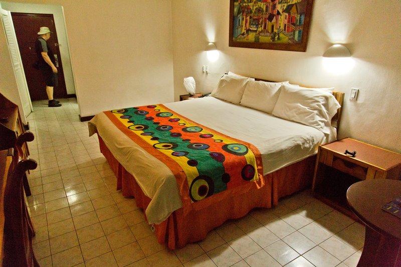 large_Le_Plaza_Hotel_61.jpg
