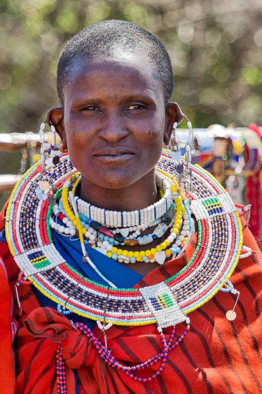 large_Maasai_Woman_10.jpg