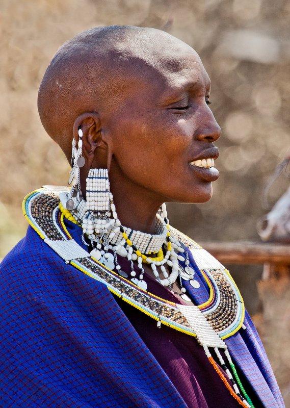 large_Maasai_Woman_5.jpg