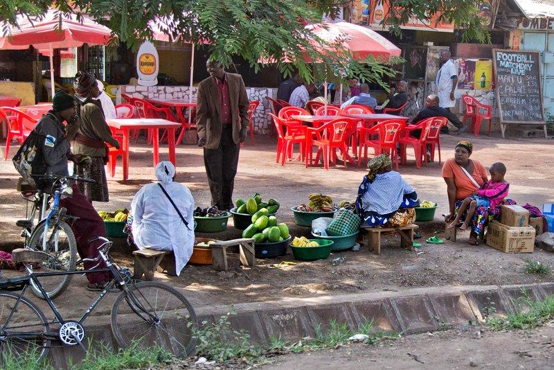 large_Makuyuni_Market_12-2.jpg