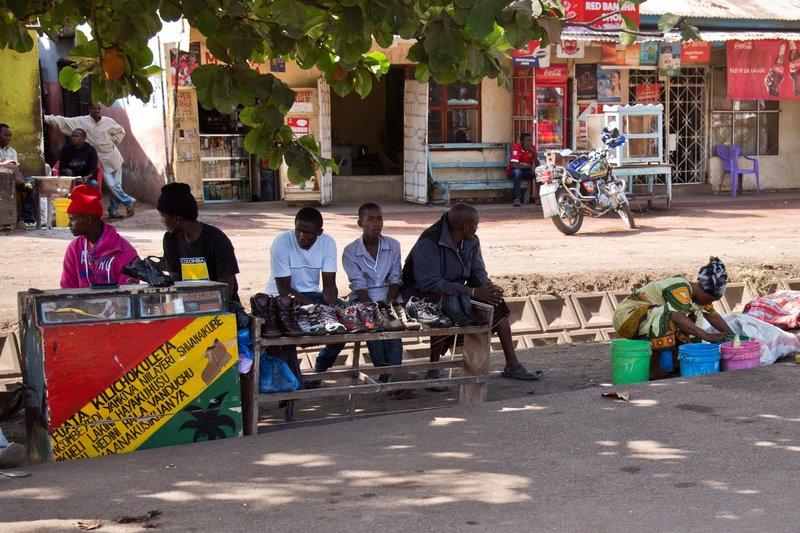 large_Makuyuni_Market_12-3.jpg