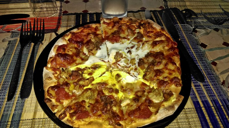 large_Meat__Chic..d_Egg_Pizza.jpg