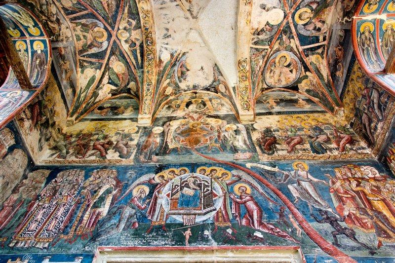 large_Moldovita_Monastery_15.jpg