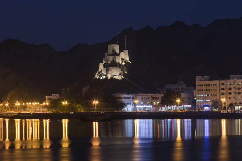 large_Muscat_by_Night_6.jpg