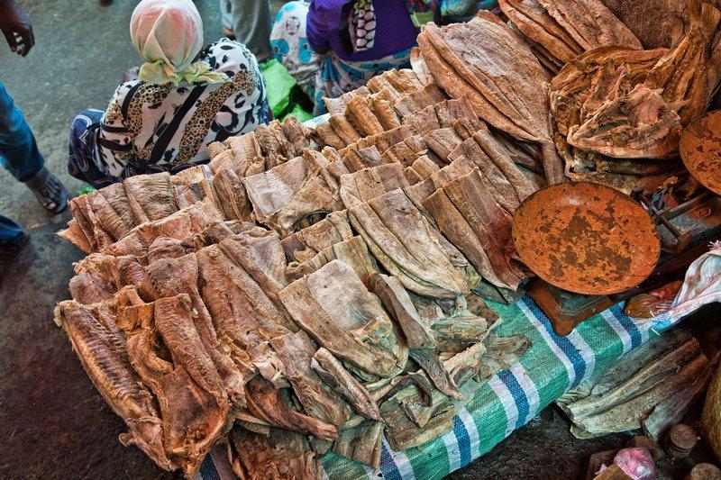large_Mutsamudu_Market_-_Fish_1.jpg