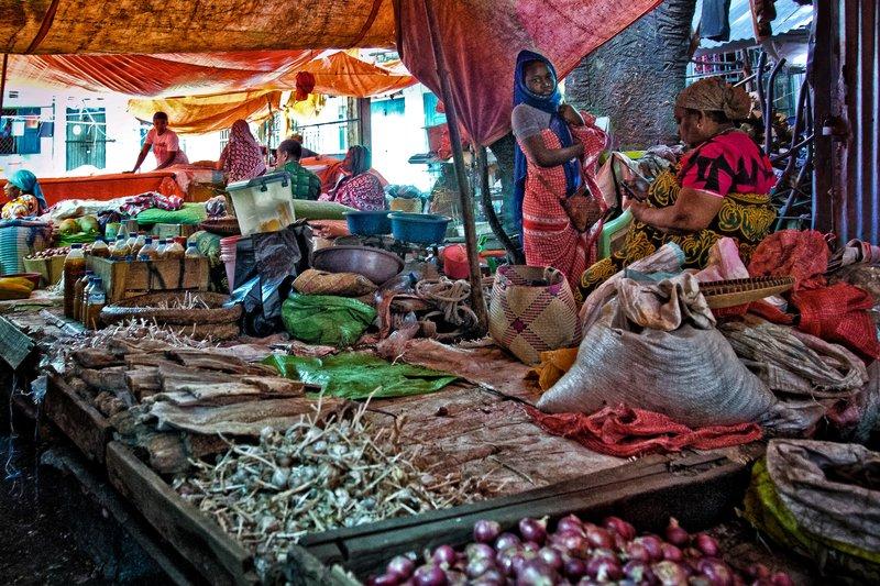 large_Mutsamudu_Market_10.jpg