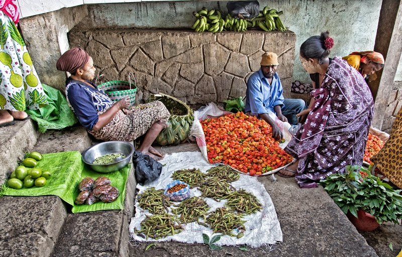 large_Mutsamudu_Market_5.jpg