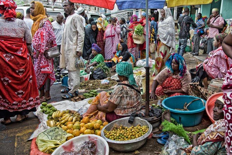 large_Mutsamudu_Market_6.jpg