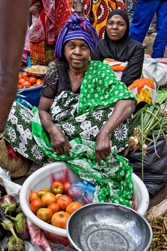 large_Mutsamudu_Market_7.jpg